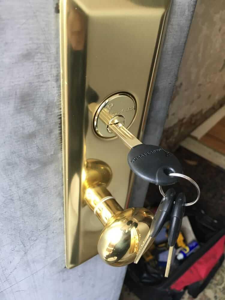 Garage Door Locks NYC, Garage Door Locks Queens, Door Closer Installation Queens